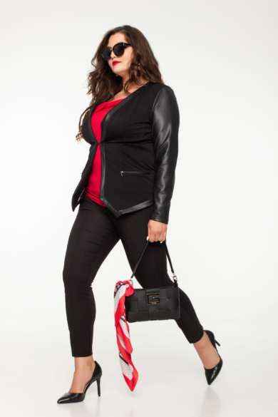 Bőrrel kombinált női trendi blézer fekete molett
